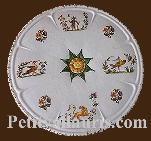 BELOW 'DISH ROSETTE Deco tradition Old Moustiers polychrome