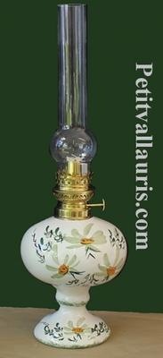 LAMPE  BEC A PETROLE DECOR FLEURS VERTES