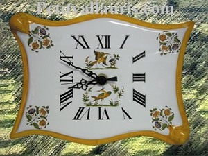 HORLOGE FAIENCE MODELE PARCHEMIN DECOR TRAD.MTRS BORD ORANGE